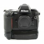Nikon F100 + MB-15 Grip